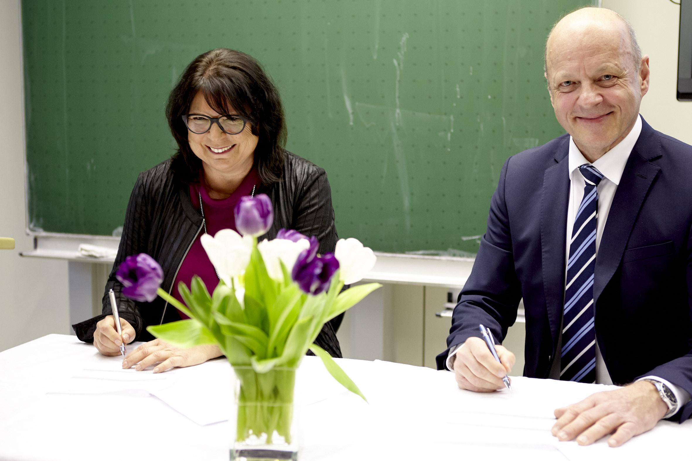 Bildungspartnerschaft mit der Akademie für Gesundheitsberufe in Ulm